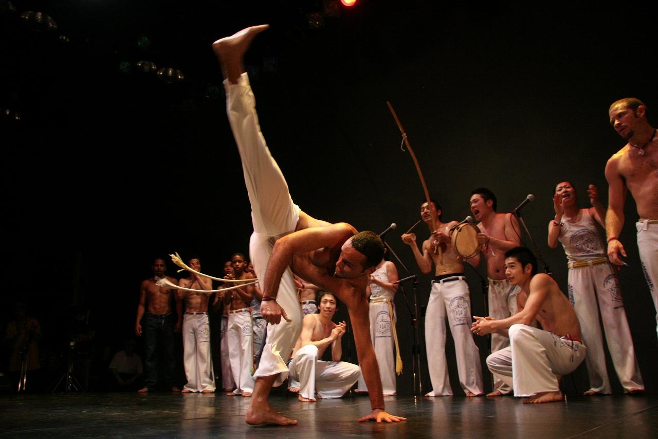 カポエイラ 柔軟性 格闘技で使える蹴り